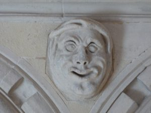 Têtes grotesques