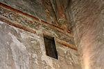 Fenêtre par laquelle Béatrix de la Tour du Pin assistait aux offices