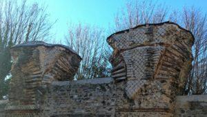 Vestiges de l'aqueduc dans la rue Radisson